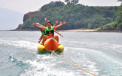 watersports_1024 x 683_banana boat